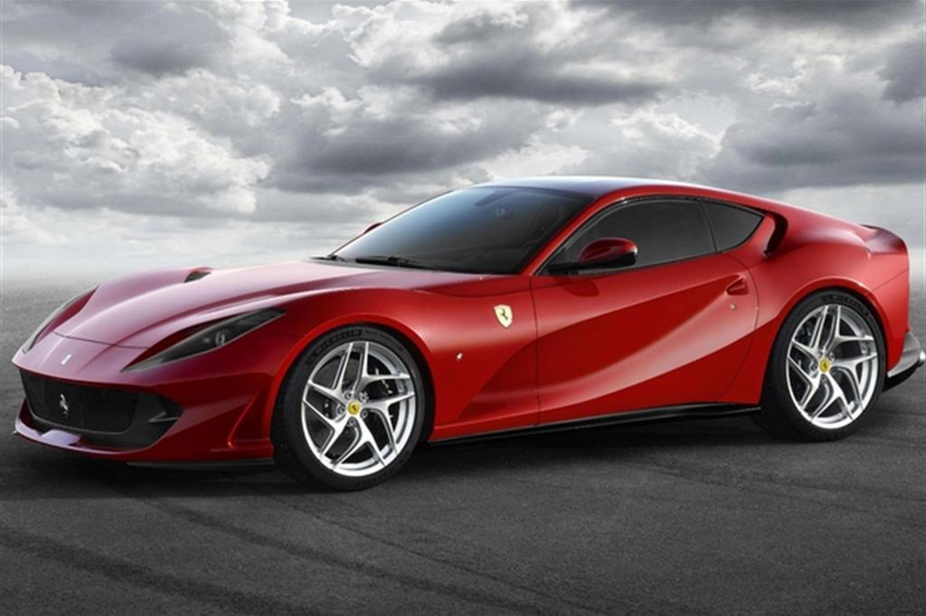 Ferrari Si Fa Il Regalo Per 70 Anni Ecco A Ginevra La 812 Superfast