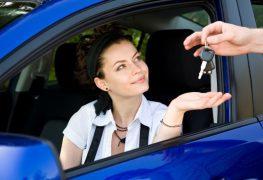 Promosse le donne alla guida di auto aziendali