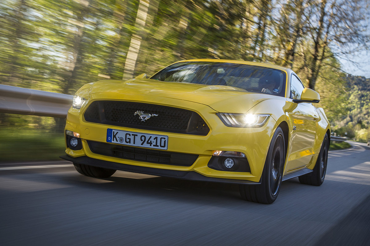 FordMustang_Fastback-Yellow_09
