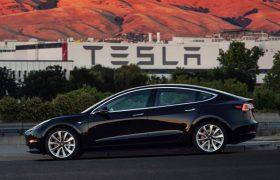 Maxi offerta di debito dalla Tesla