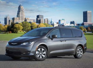 Chrysler_Pacifica_Hybrid_2018
