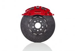 Brembo tiene a bada berline performanti e supercar
