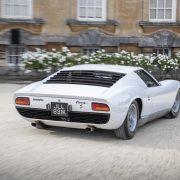 Lamborghini Miura S: gran successo ai concorsi di eleganza Salon Privè e Hampton Court Palace