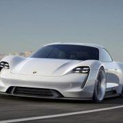Porsche Taycan, incontro ad alta tensione