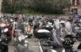 Quasi 2 milioni di italiani abitualmente al lavoro in bici o in moto