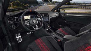 Volkswagen-Golf-Gti-Tcr-03-interni-2019