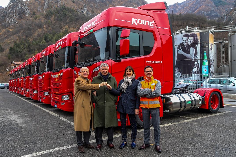 SCania-SanPellegrino-_Foto consegna-chiavi mezzi-LNG-2019