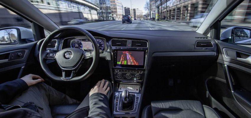 Volkswagen testa la guida autonoma ad Amburgo