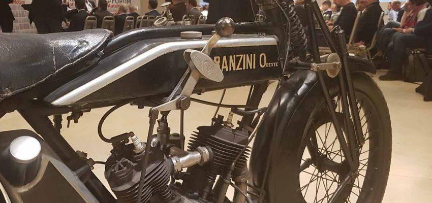 Museo Nicolis: a #ForumAutoMotive in bella mostra la Garanzini Lusso 6HP e la Bianchi Freccia d'Oro