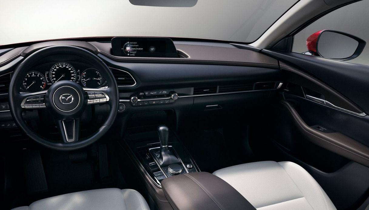 Mazda Cx 5 Diesel >> Mazda CX-30, prima italiana al Salone del Valentino - FuoriGiri