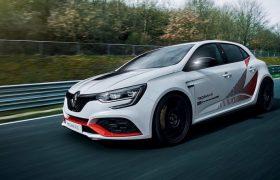 Per Renault Mégane RS Trophy-R prestazioni da primato