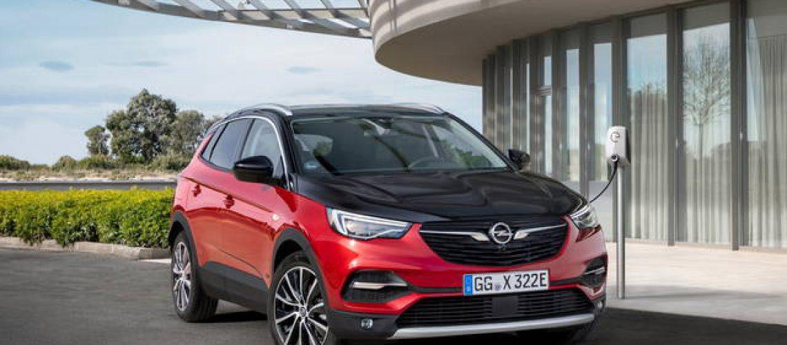 Opel Grandland FG X PHEV, la prima di una lunga serie