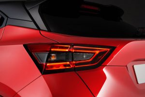 4_fila_02_3---6pm-CET---New-Nissan-JUKE-Unveil--Red-Static-Studio---15-source