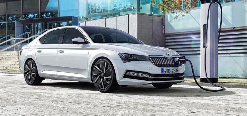 Škoda Superb iV, si parte dall'ammiraglia