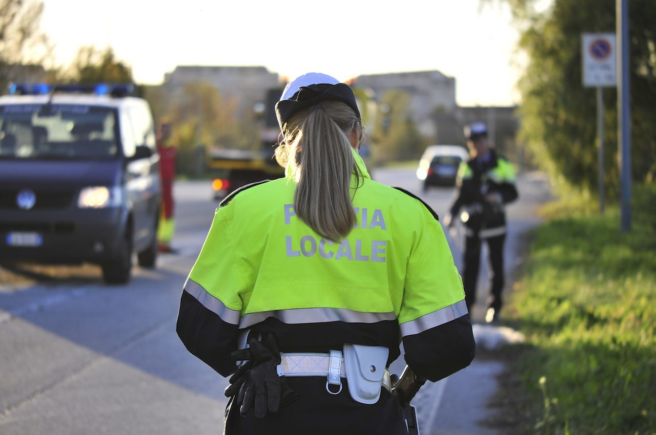 Polizia_Locale_durante_il_rilievo_di_un_incidente_stradale_2019