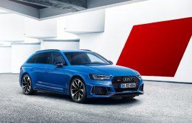Audi RS4 Avant è una wagon da 280 orari