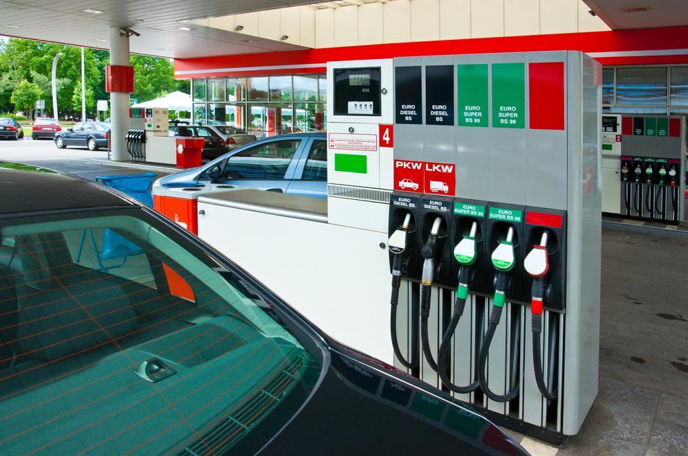 distributore-benzina jpg
