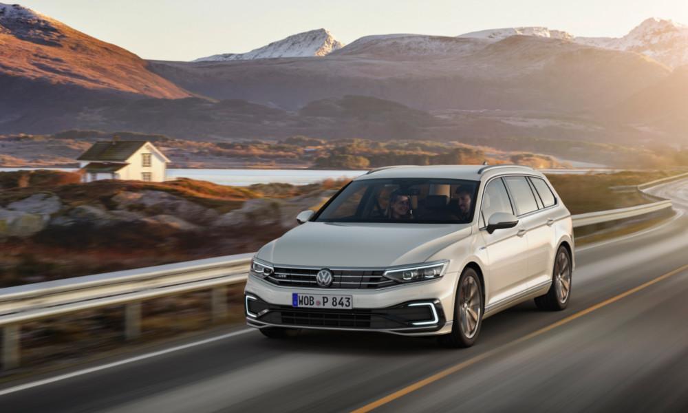 Volkswagen-Passat-2019-1