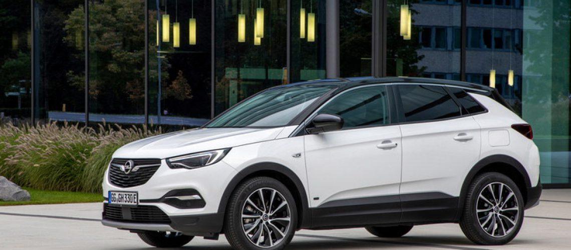Opel Grandland X: anche a trazione anteriore