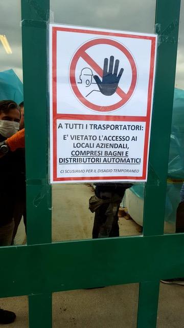 Bagni vietati ai camionisti