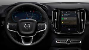 A-1- FILA INTERNI-258977_Fully_electric_Volvo_XC40_introduces_brand_new_infotainment_system