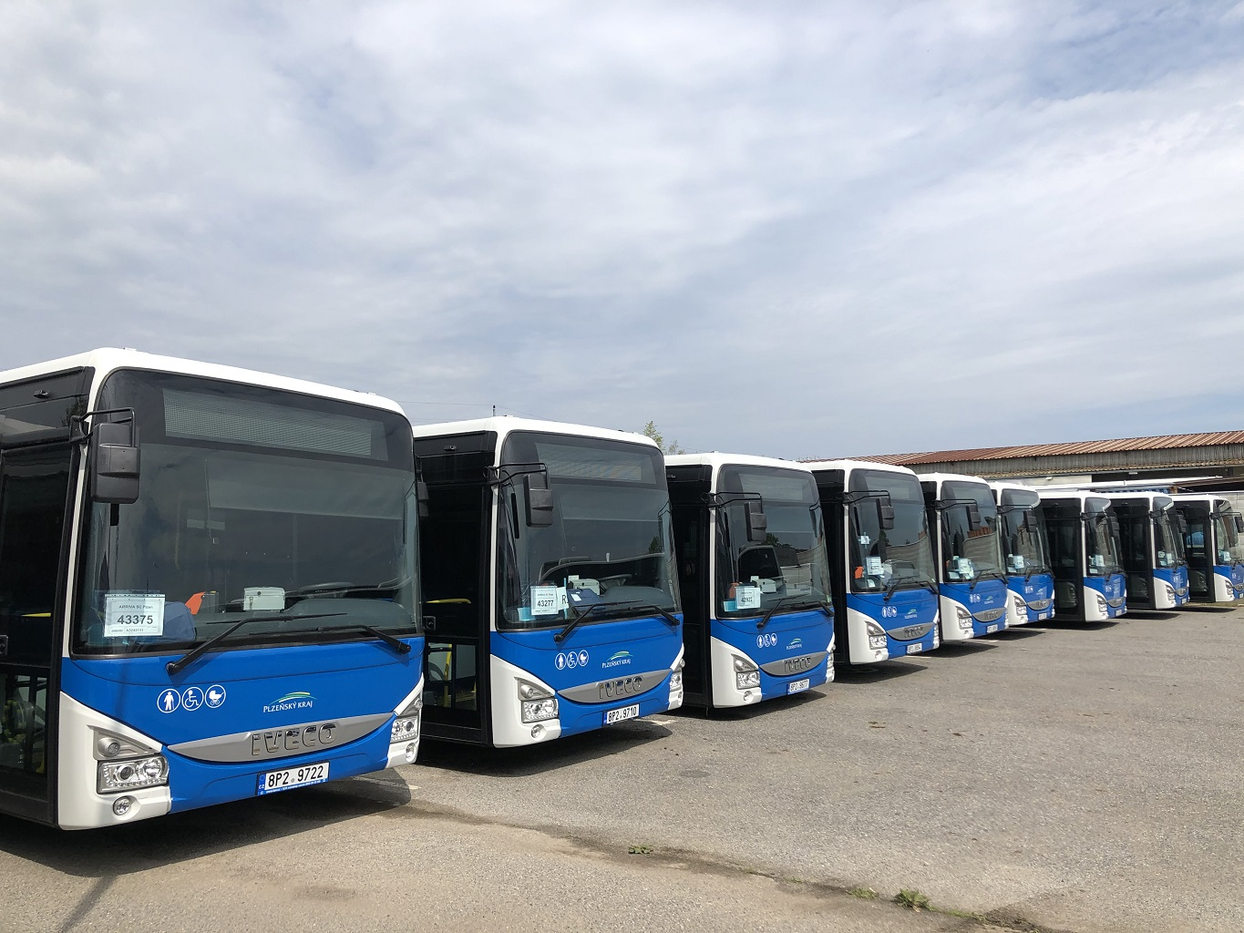 IVECO_Bus_delivery_to_ARRIVA