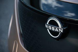6-nissan-ariya-badge-front-bi