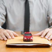 Rc auto: cosa cambia col contratto base?