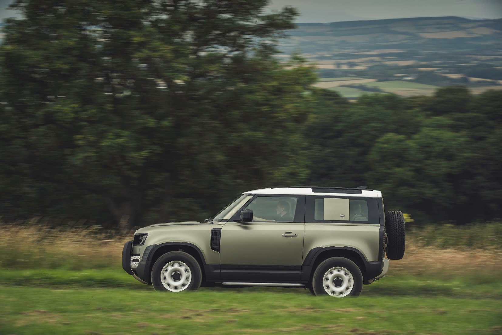 Land Rover Defender_image