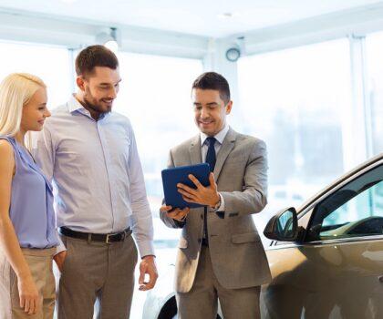 Italiani e scelta dell'auto: priorità a prezzo e consumi