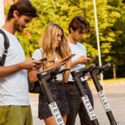 Helbiz lancia Principiante: la sicurezza al centro della mobilità condivisa