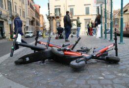 Monopattini: da Consumerismo ok a stretta su minori e casco